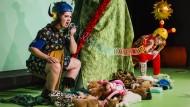 """Wild: Blau und Rot in """"Zwei Monster"""" am Schauspiel Frankfurt"""