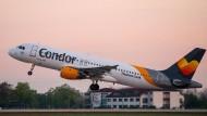 Abflug: eine Condor-Maschine