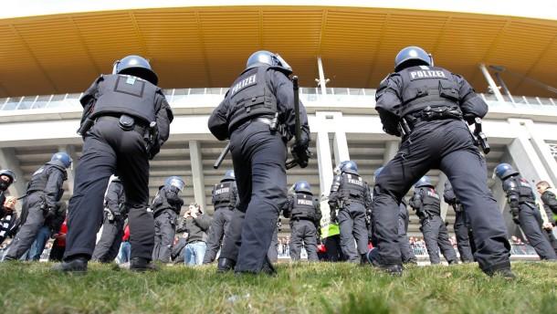 Polizei will Fans auseinanderhalten