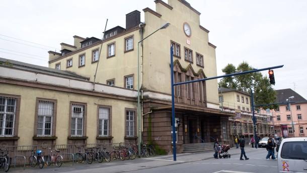 Offenbach gr ner anstrich f r einen tristen bahnhof for Depot offenbach