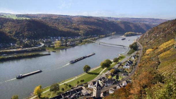 In acht Jahren trockenen Fußes über den Rhein