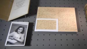 Teile von Anne Frank-Nachlass in Frankfurt