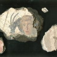 Besonderheit: Fresken mit Mustern, aber auch figürlichen Motiven wie im antiken Nida wurden jenseits des Mittelmeerraums nur in wenigen römischen Siedlungen gefunden.
