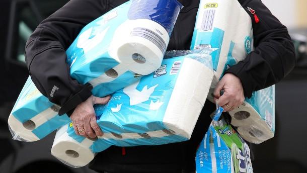 Kundin ohrfeigt Verkäuferin wegen Toilettenpapier