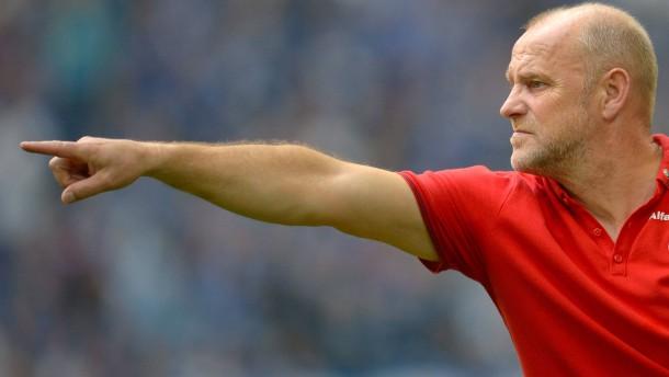 Schaaf beschert der Eintracht 600.000 Euro