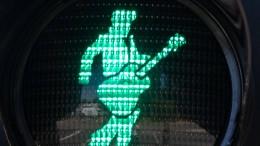 Der King of Rock 'n' Roll gibt das Zeichen