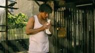 Darko (Malik Blumenthal) und eine seiner Tauben