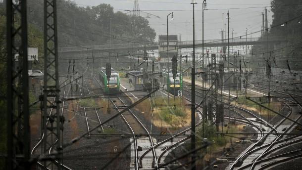 Bahnhof von Niedernhausen im Taunus gesperrt