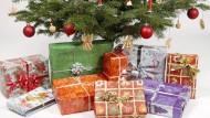 Glückssache: Ausgepackt, entpuppt sich nicht jedes Weihnachtsgeschenk als Volltreffer.