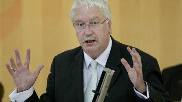 Kopie von Hessens Europaminister Hahn: Bund soll Klage gegen EZB pruefen