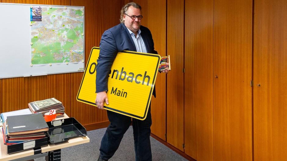 Herr des Haushalts: Offenbachs Kämmerer Peter Freier muss das Feld räumen.