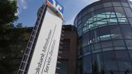 Tatort: Das Geld war vor einer Woche aus einem nicht öffentlichen Bereich der Volksbank Mittelhessen in Gießen spurlos