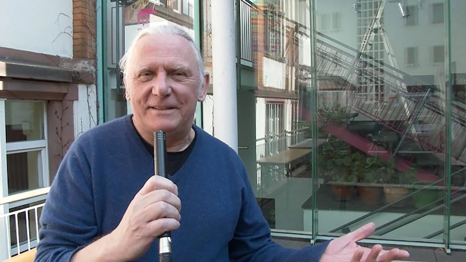 """""""Erzählzeit"""" für Zuhause: Intendant Gordon Vajen gibt auf Youtube eine Einführung."""