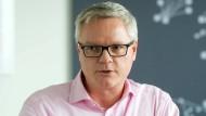 Alle Hände voll zu tun: Donald Badoux, Chef des Rechenzentrums-Betreibers Equinix Deutschland in Frankfurt