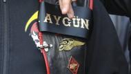 Bekenntnis: Dieser Rocker zeigte seine Verbundenheit mit dem erschossenen Charter-Chef
