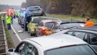 Mehr Unfälle als 2013: Massenkarambolage im November 2014 bei Rüsselsheim.