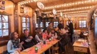 """Zünftig: Die Gaststube der """"Kaffeescheune"""""""