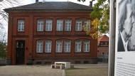 Ort der Kindheit: Die Rote Schule in Staufenberg, die Peter Kurzeck besuchte