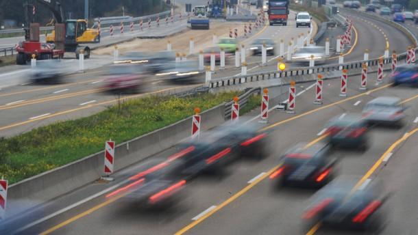 Kammern fordern mehr Straßen in Hessen