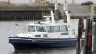 Großeinsatz von Feuerwehr und Polizei auf dem Rhein