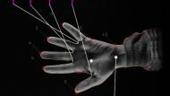 """Vermessung der Hand: """"Augmented Hand Series"""" von Golan Levin, Chris Sugrue und Kyle McDonald."""