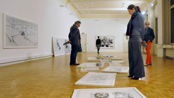 """Kurze Nacht der Galerien - Unter dem Titel """"schwarz-weiß"""" öffnen alle Wiesbadener Galerien und Museen  bis Mitternacht ihre Türen für die Besucher."""