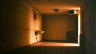 Horror Vacui: Ernst Gerstle hat die gespenstische Leere eines Bunkerraums eingefangen.