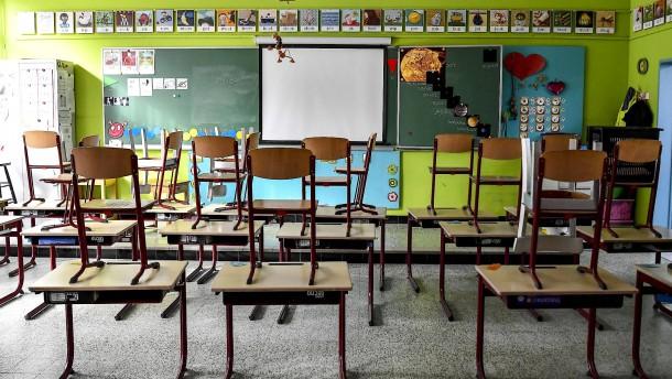Schließung von Schulen senkt späteres Gehalt