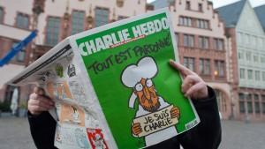Nicht jeder will Charlie Hebdo im Regal