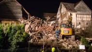 Todesfalle: In dem eingestürzten Haus in Gladenbach fand der Bewohner den Tod - sein Hund wurde lebend gerettet