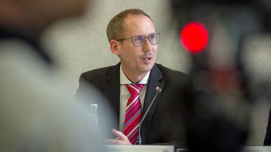 Bilanz: Das Ministerium von Gesundheitsminister Kai Klose (Die Grünen) berichtet täglich über die Corona-Statistik in Hessen