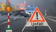 Einsatzort: Auch zu Unfällen werden Notfallseelsorger gerufen. Sie kümmern sich um die unverletzt gebliebenen Beteiligten, zum Beispiel Angehörige von Unfallopfern.