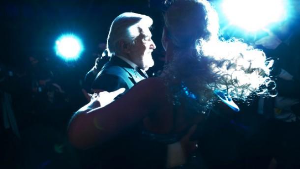 Delon als Rosenkavalier - J.R. als Turnschuh-Mephisto