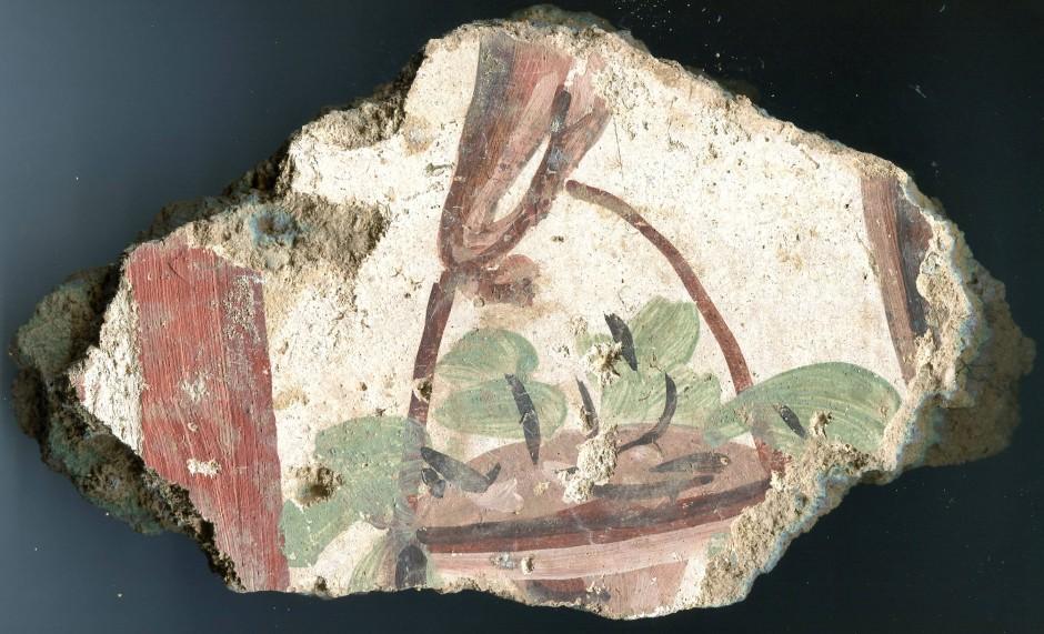 Kleinod: eines von mehreren tausend Fragmenten eines römischen Wandbildes