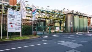Chemische Produktion im Industriepark Griesheim vor dem Aus
