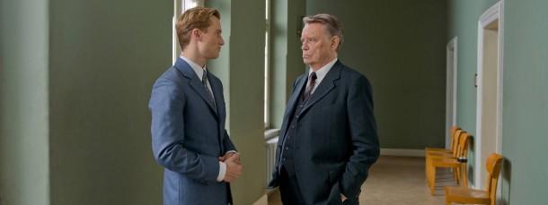 Aufklärer: Fritz Bauer (Gerd Voss, rechts) beauftragt den jungen Staatsanwalt Johann Radmann (Alexander Fehling) mit den Auschwitz-Ermittlungen.