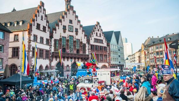 """Polizei an """"tollen Tagen"""" im Großeinsatz"""