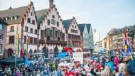 Narren auf dem Römerberg: der Frankfurter Fastnachtsumzug 2015