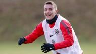 Keine Schmerzen mehr: Eintracht-Jungprofi Luca Waldschmidt hat wieder Spaß am Fußball.