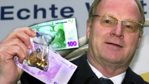 Ernst Welteke klagt auf eine höhere Pension