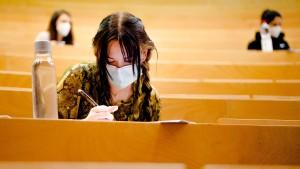 Studenten kritisieren Präsenzklausuren