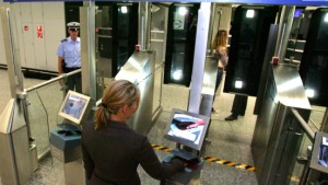 Flughafen testet elektronische Einreisekontrolle