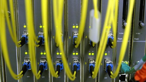 Millionen-Investitionen in Internetknoten