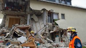 Zwei Verletzte durch Gasexplosion in Wohnhaus