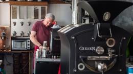 Rollendes Café mit tonnenschwerem Ofen