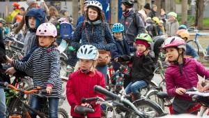 """""""Kidical Mass"""" radelt für mehr Sicherheit auf den Straßen"""