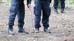 Tatverdächtiger führt Polizei zu Leichnam in Wald