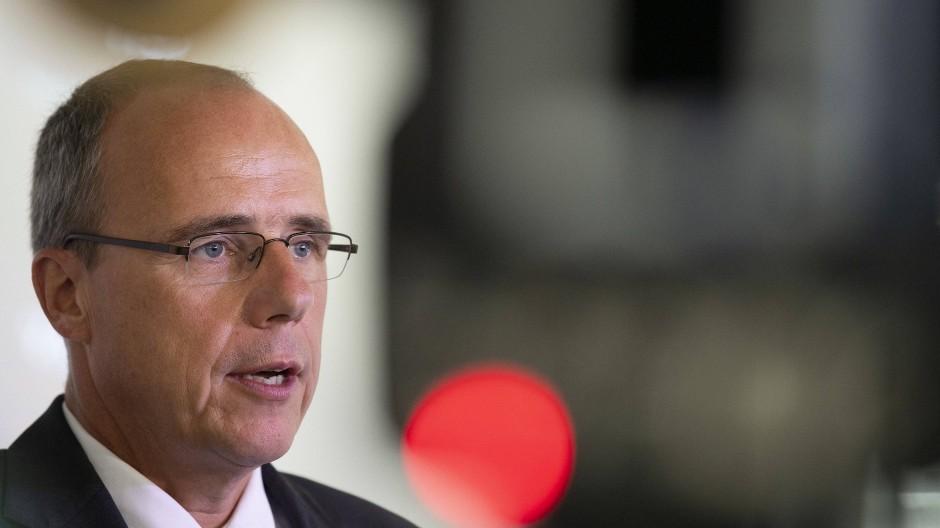 Weist Vorwürfe zurück: Hessens Innenminister Peter Beuth