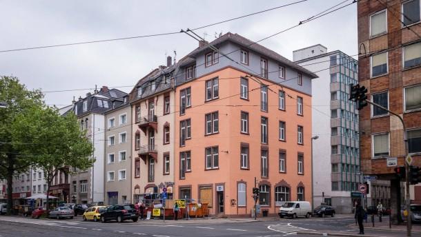 Hells Angels - Die Hells Angels in Frankfurt haben sich nach ihrem Vereinsverbot eine neue Immobilie gesucht, in der sie künftig eine Kneipe betreiben wollen.