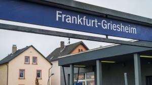 Großer Polizeieinsatz nach Schuss in Frankfurt-Griesheim